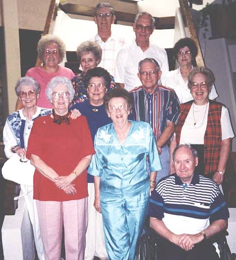 Class of 1946 at their 48th reunion at Logan Martin Lake in 1994