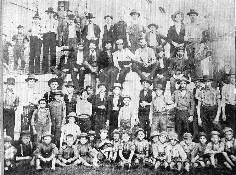 Dallas Mill Loom Fixers and Doffers - 1898